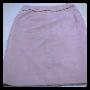 Pink pencil skirt 👌